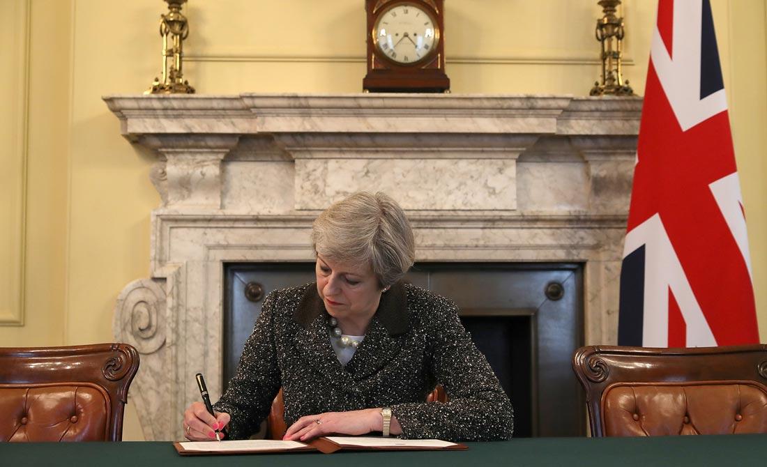Marzo de 2017. Theresa May pide la aplicación del artículo 50 del Tratado de la UE.