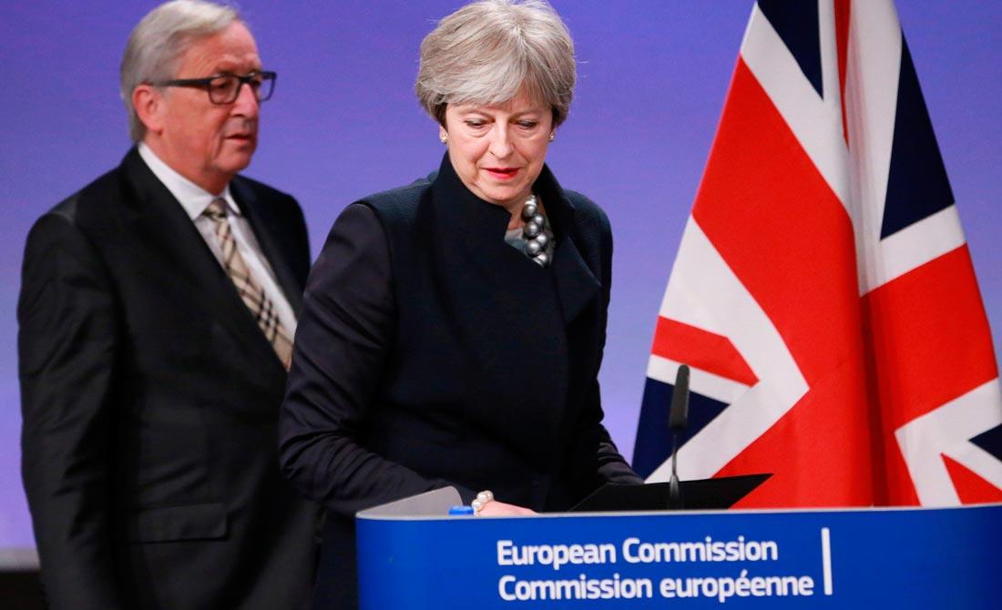 Diciembre de 2017. Theresa May y Jean Claude Juncker informan sobre las dificultades  de la primera fase de la negociación.