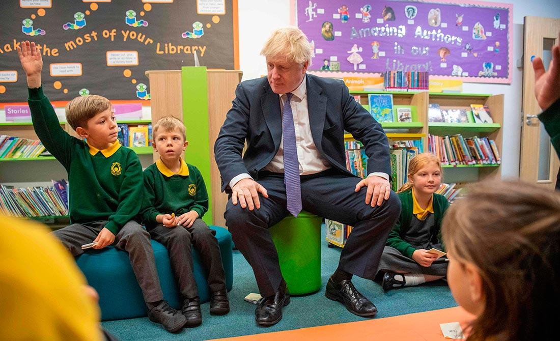 Octubre de 2019. El primer ministro visita una escuela primaria en la localidad de Milton Keynes.
