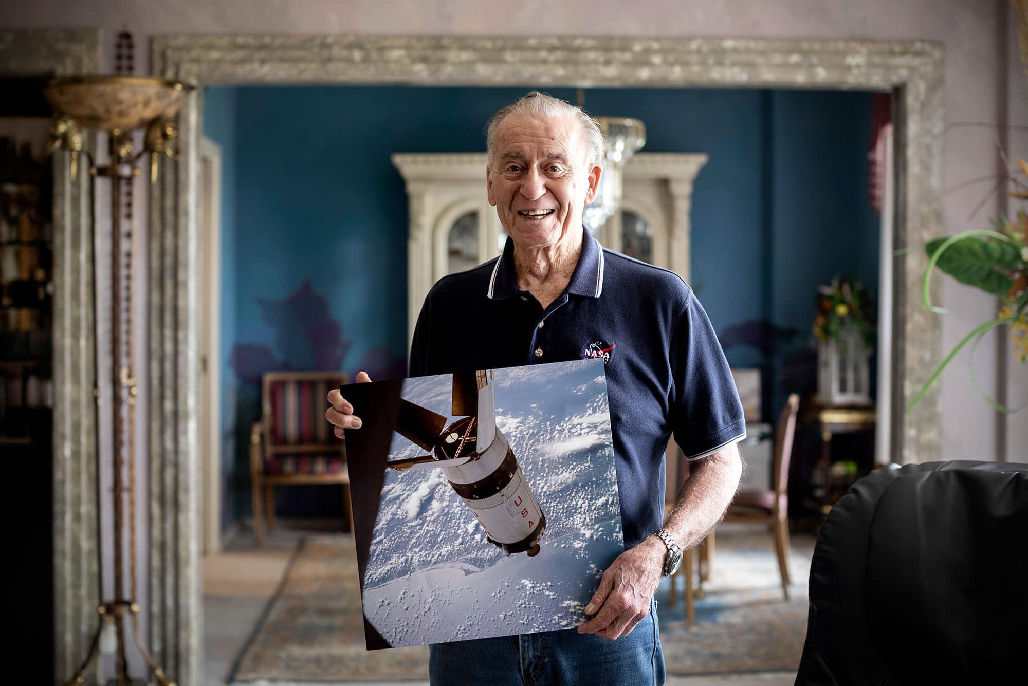 El astronauta de la misión Apolo 7 Walt Cunningham