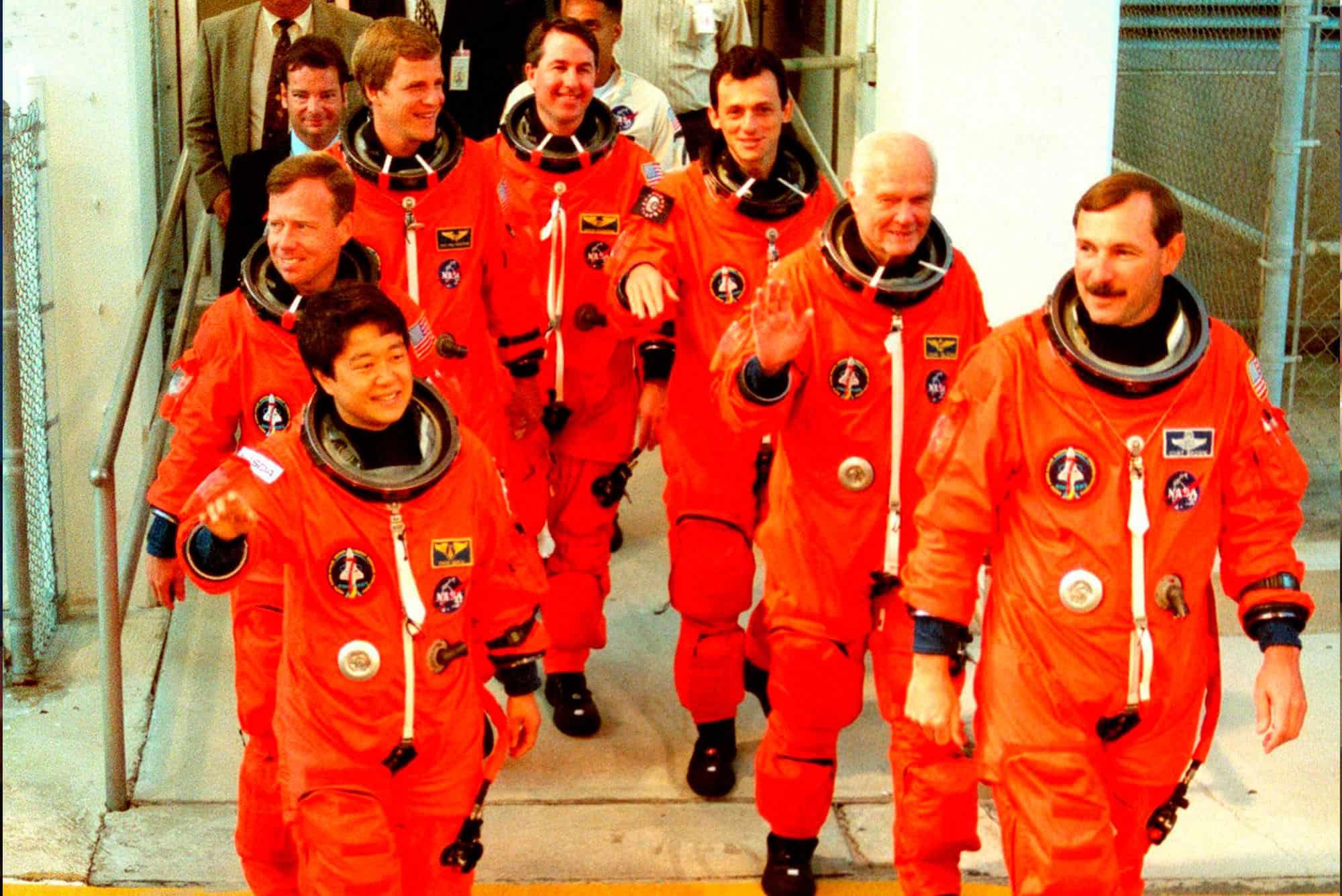Los siete miembros de la misión de 1998