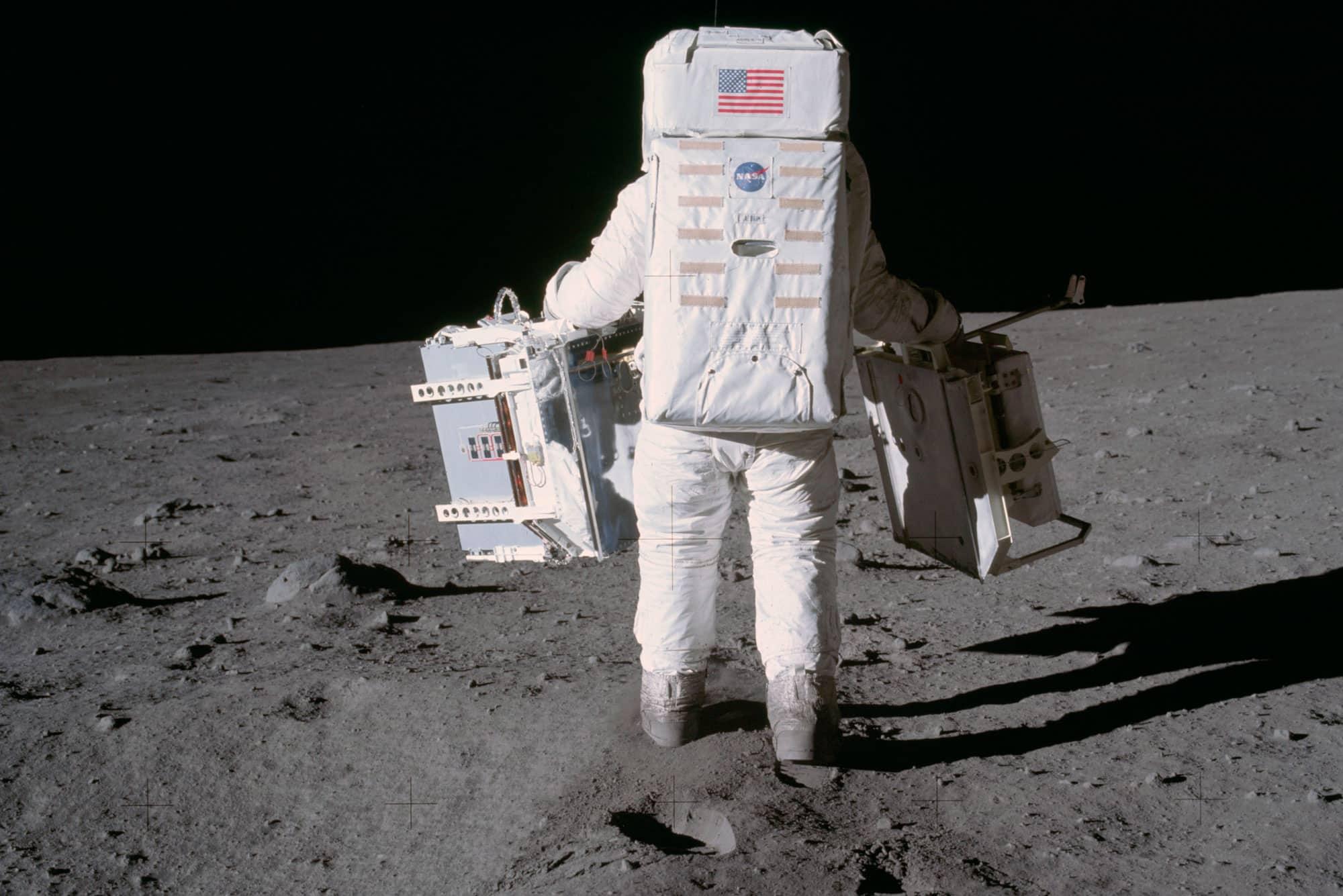Buzz Aldrin fotografiado por Neil Armstrong en la superficie lunar